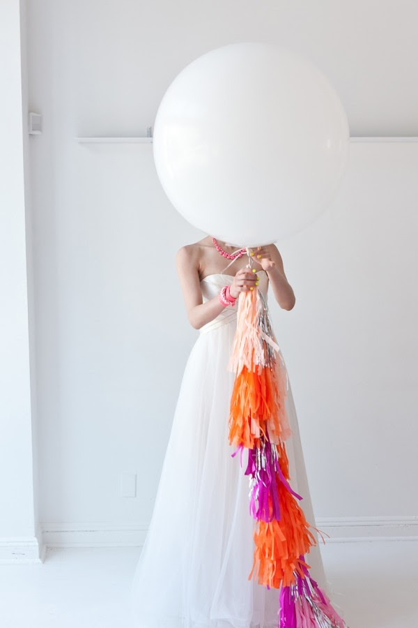 Kamifusen, the self-inflating Japanese paper balloon: Physics ... | 900x600