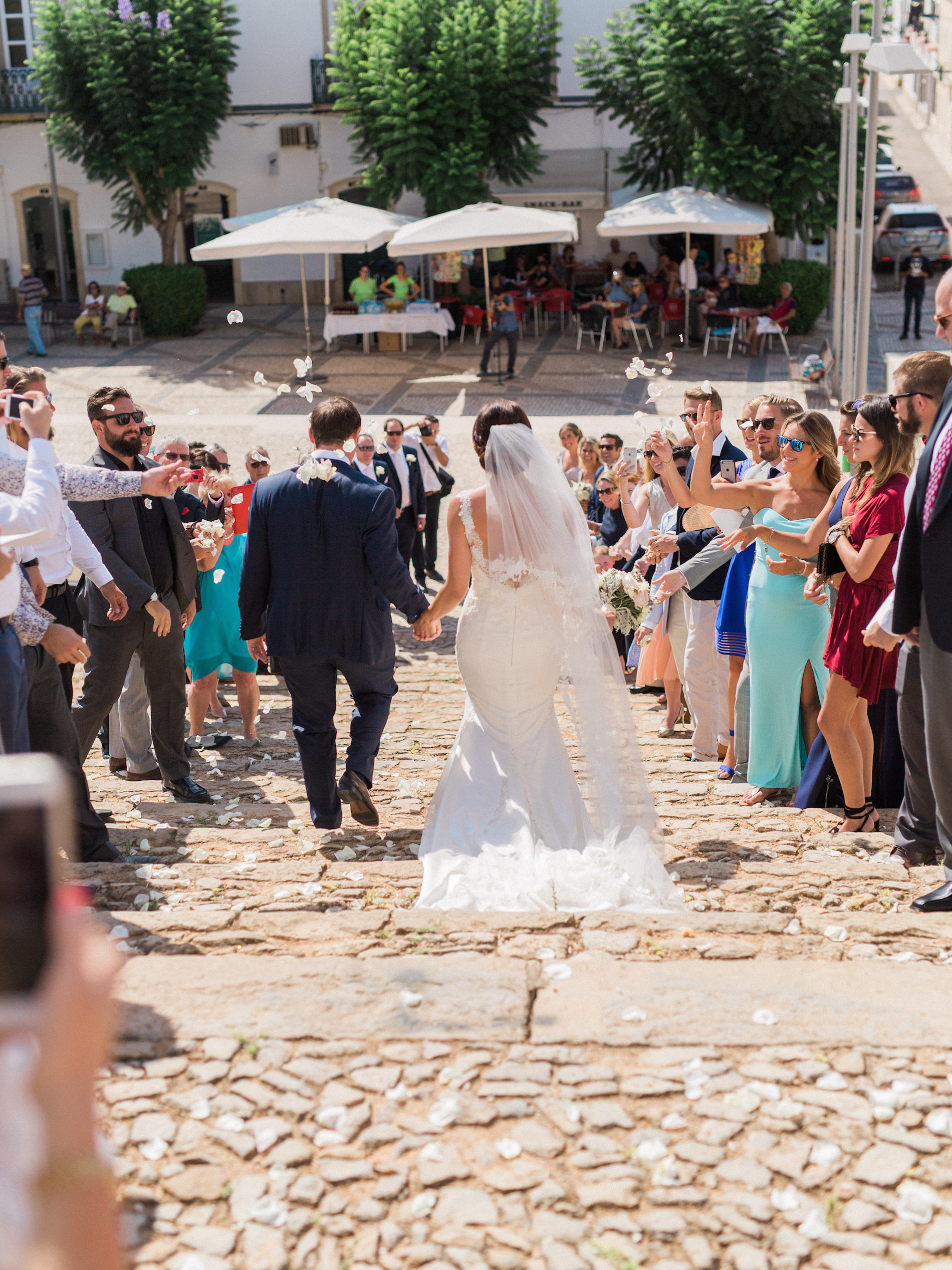destination-wedding-in-portugal-by-married-39