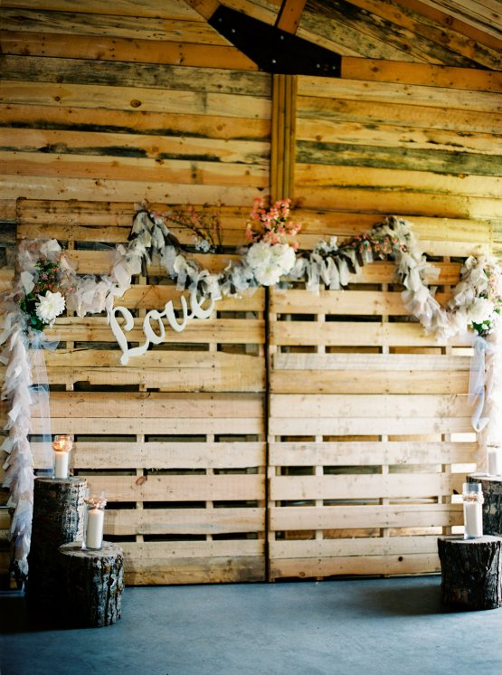 gorgeous-barn-wedding-by-milton-photography-2