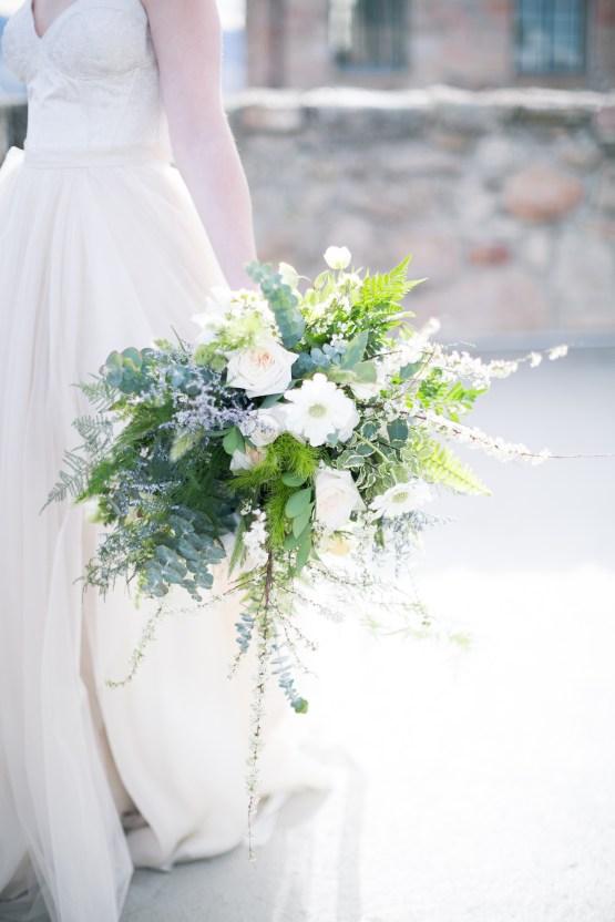 winter-wedding-inspiration-by-amy-caroline-photography-32