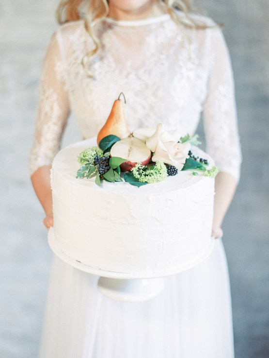 Pretty Warehouse Wedding Inspiration by Natashia Nicole Photography 20