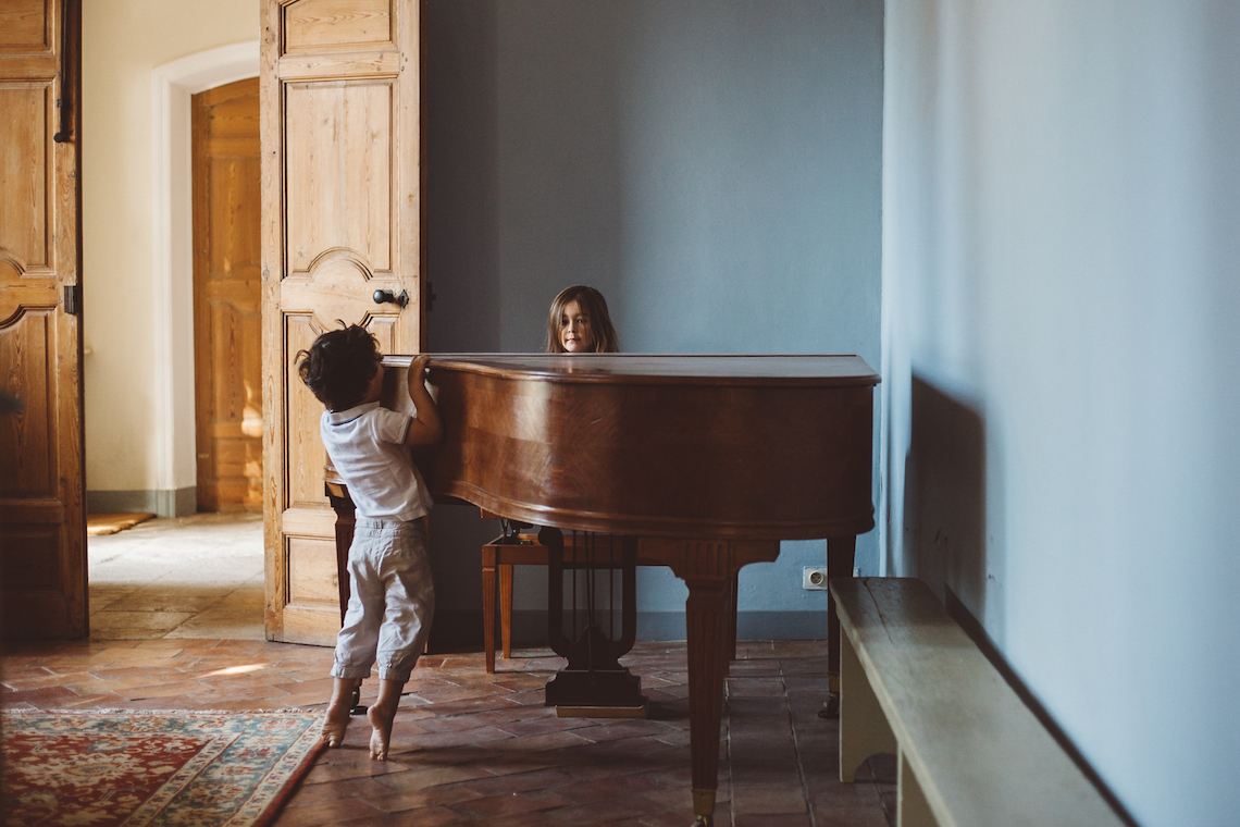 Relaxed and Simple Wedding in France by Time of Joy Photography 6