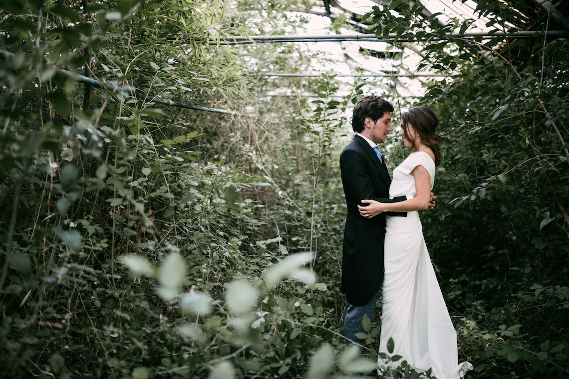 Cool Spanish Wedding by Sara Lobla and La Puta Suegra 35