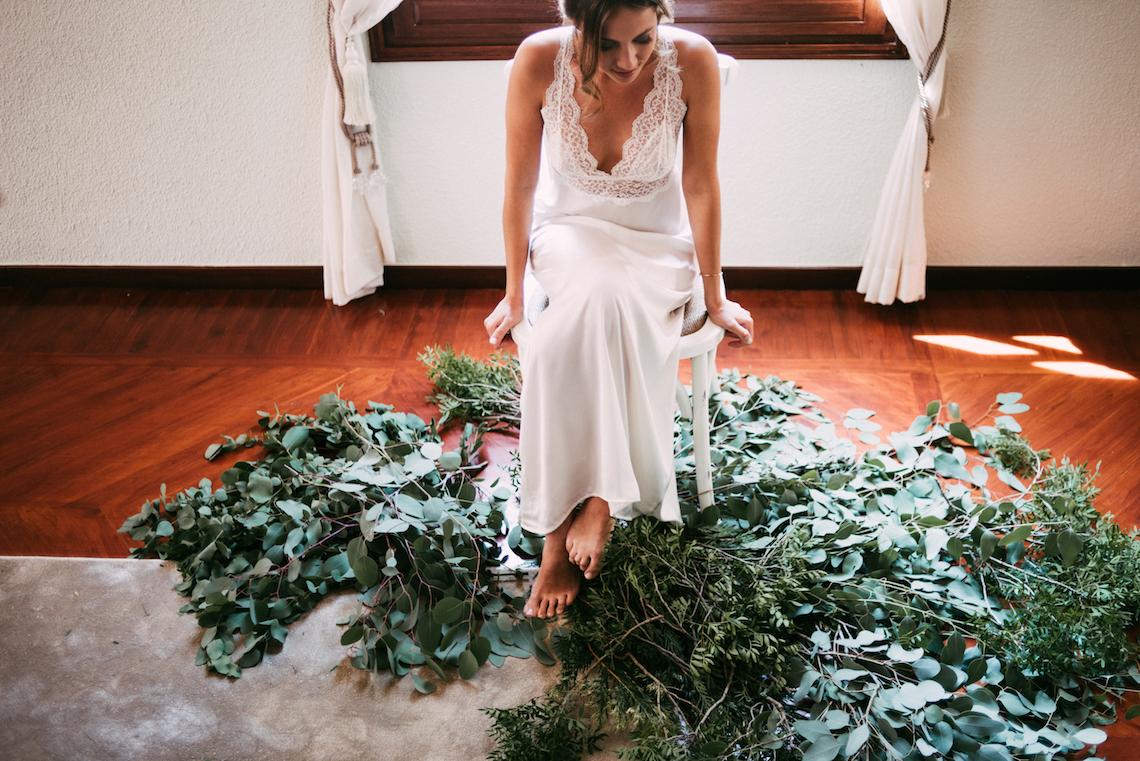 Cool Spanish Wedding by Sara Lobla and La Puta Suegra 42