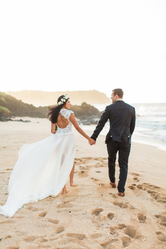 Hawaii Elopement by Modern Elopement and Sea Light Studios 80
