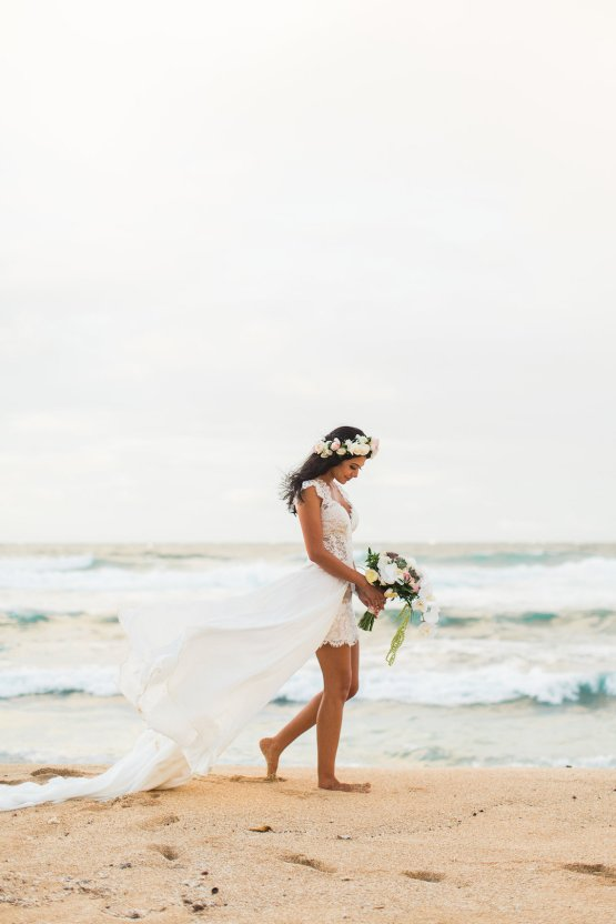 Hawaii Elopement by Modern Elopement and Sea Light Studios 83