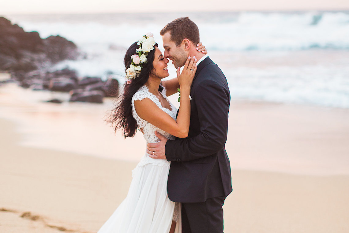Hawaii Elopement by Modern Elopement and Sea Light Studios 93