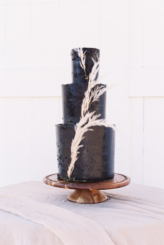 Modern Farmhouse Wedding Inspiration by Alexandra Wallace and A Lovely Creative 35