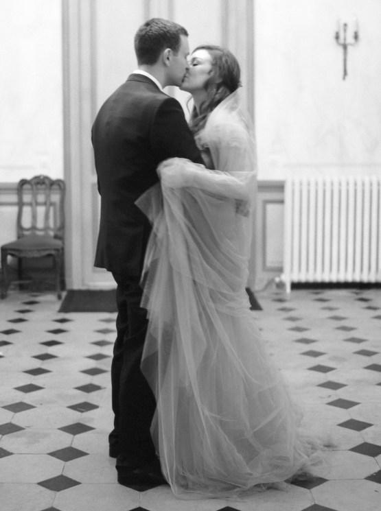 Beautiful-Intimate-Fine-Art-Wedding-by-Laura-Gordon-Photography-26