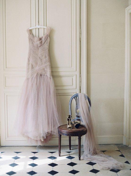 Beautiful & Intimate Fine Art Wedding by Laura Gordon Photography 35