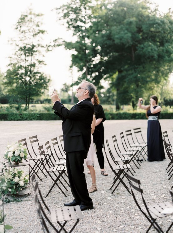 Beautiful & Intimate Fine Art Wedding by Laura Gordon Photography 45