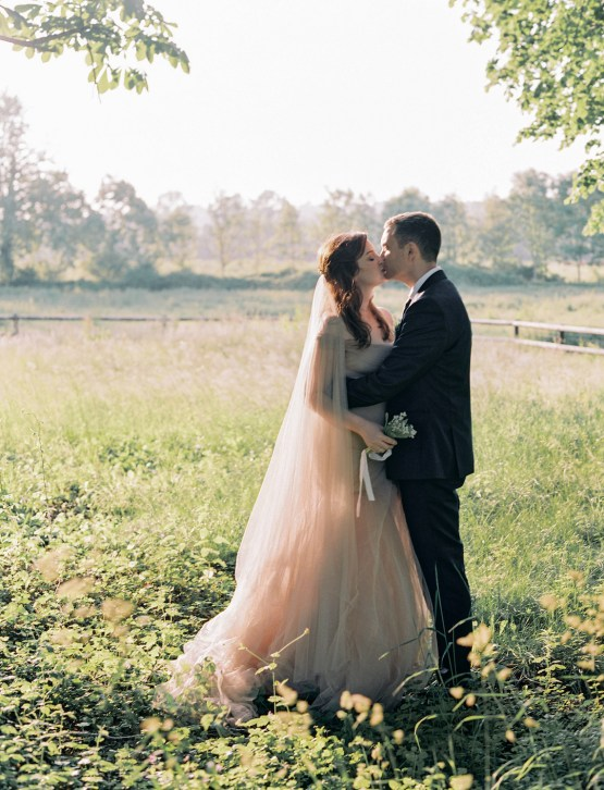 Beautiful & Intimate Fine Art Wedding by Laura Gordon Photography 50