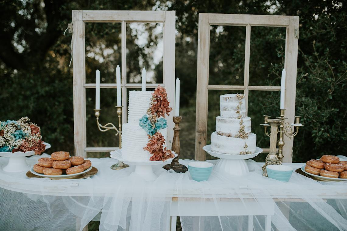 Free-Spirited & Panoramic Boho Wedding Inspiration | Sara Cuadrado and El Ramo Volador 24