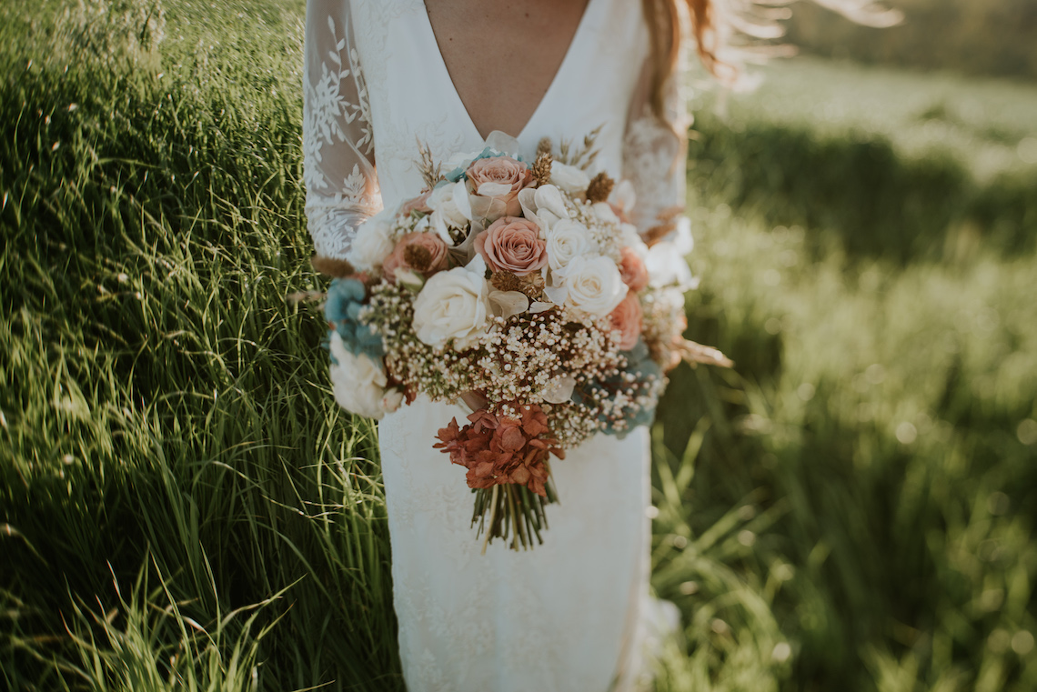 Free-Spirited & Panoramic Boho Wedding Inspiration | Sara Cuadrado and El Ramo Volador 35