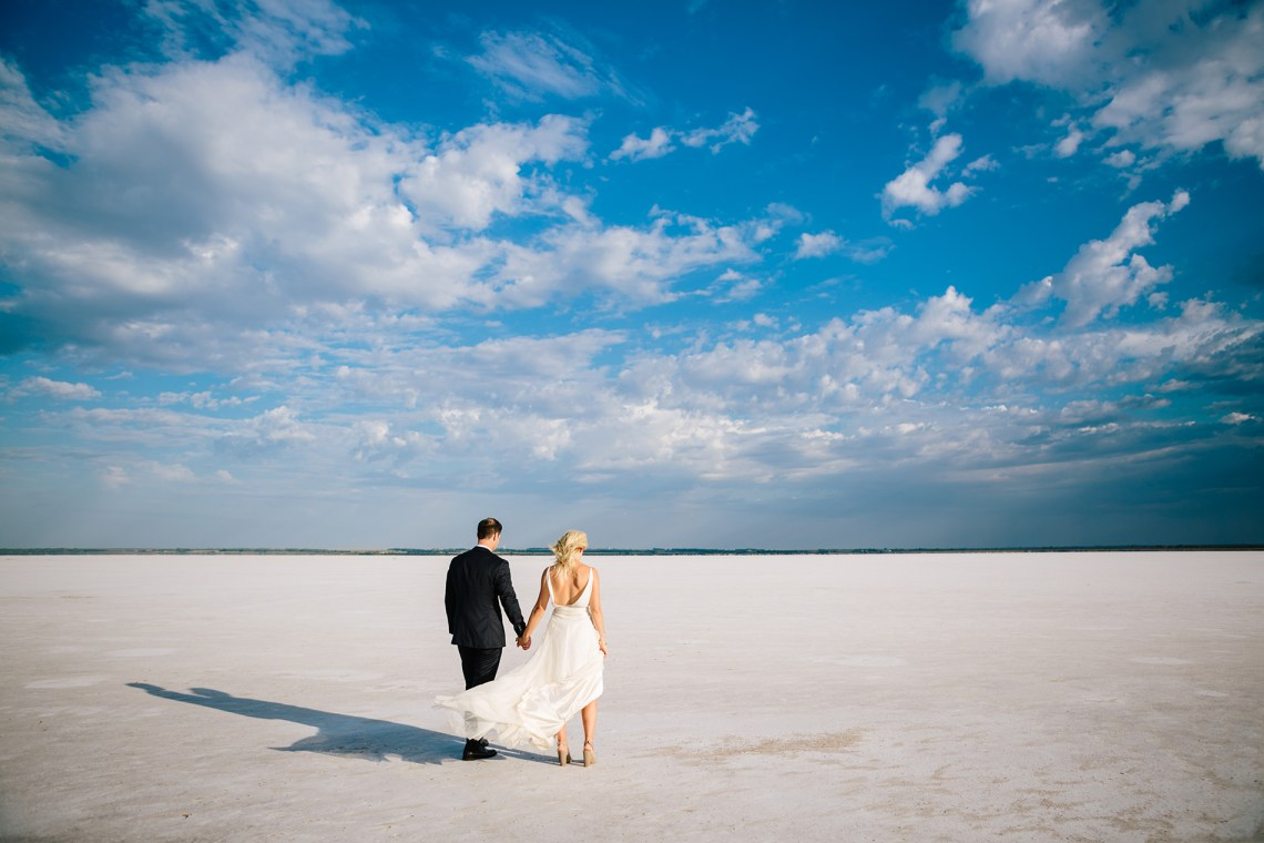 Fun, Scenic, Lakeside Wedding with Dried Floral Bouquets | Studio 1208 10