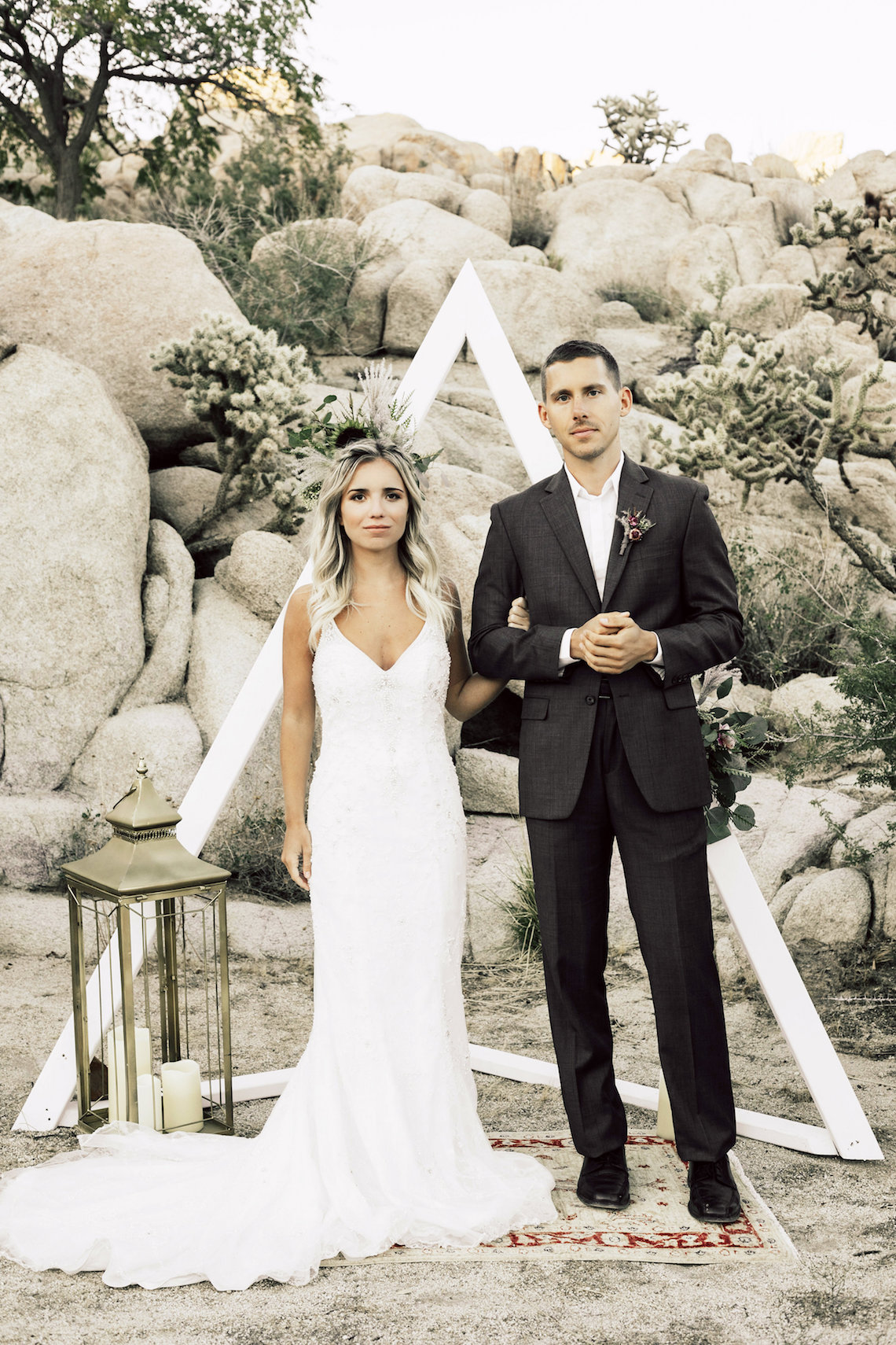 Boho Chic Elopement Inspiration with a Cool Teepee Altar | Maya Lora Photography 20