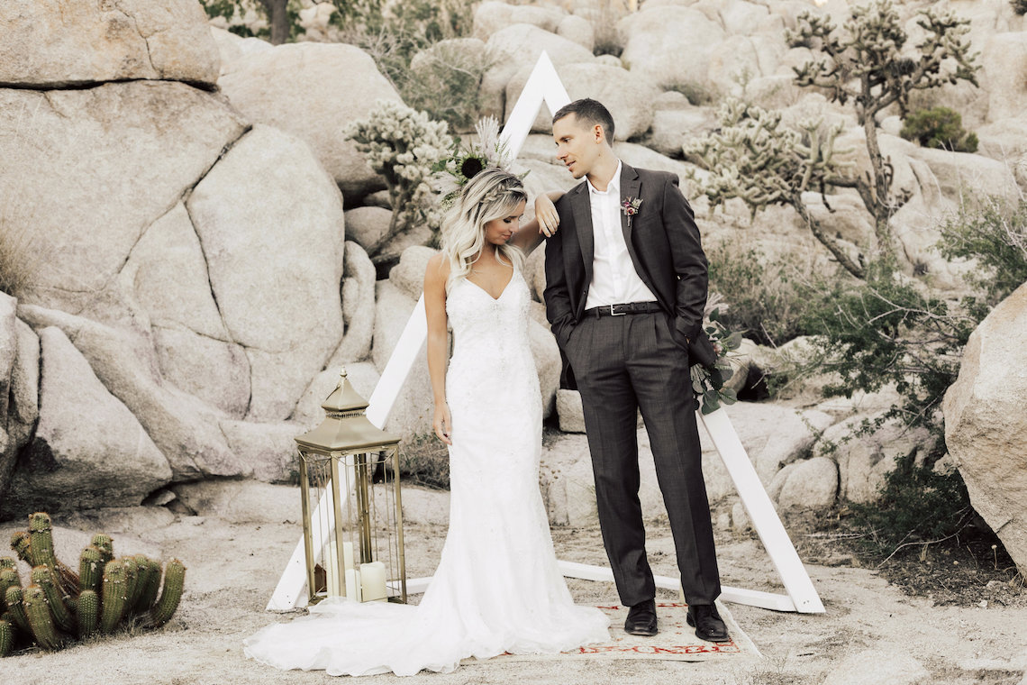 Boho Chic Elopement Inspiration with a Cool Teepee Altar | Maya Lora Photography 31