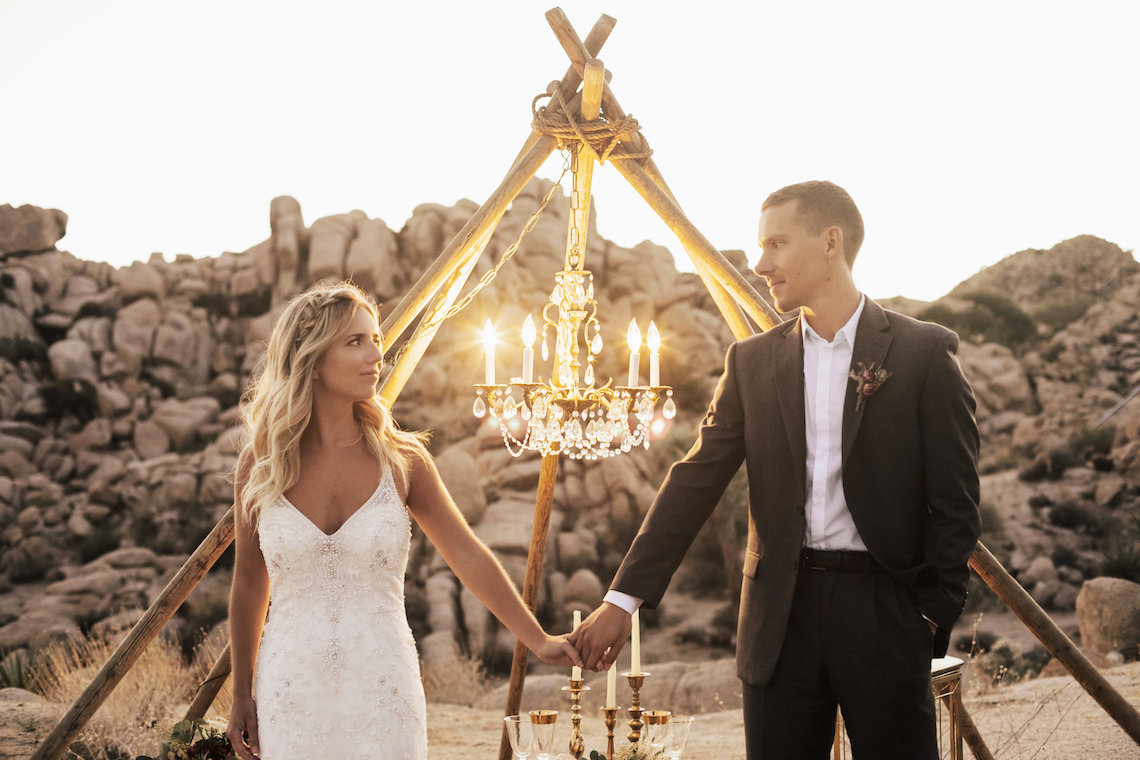 Boho Chic Elopement Inspiration with a Cool Teepee Altar | Maya Lora Photography 35