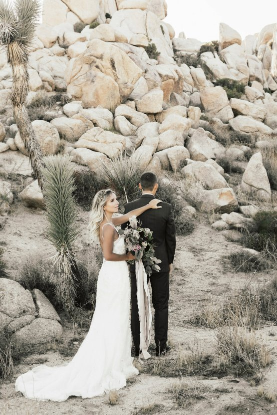 Boho Chic Elopement Inspiration with a Cool Teepee Altar | Maya Lora Photography 5