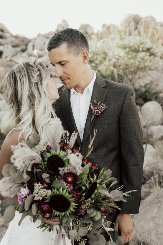 Boho Chic Elopement Inspiration with a Cool Teepee Altar | Maya Lora Photography 9
