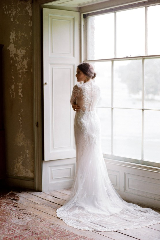 Opulent Wedding Romance In A Historic English Estate   Taylor and Porter 36