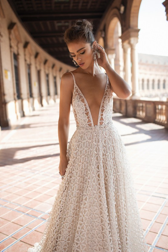 World Exclusive: The Sparkling Berta Fall 2018 Seville Collection 36