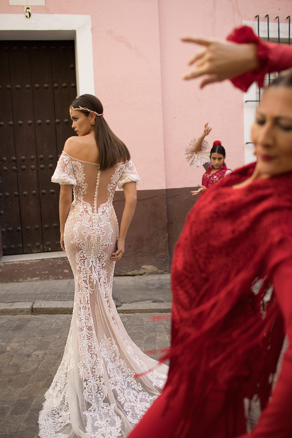 World Exclusive: The Sparkling Berta Fall 2018 Seville Collection 45