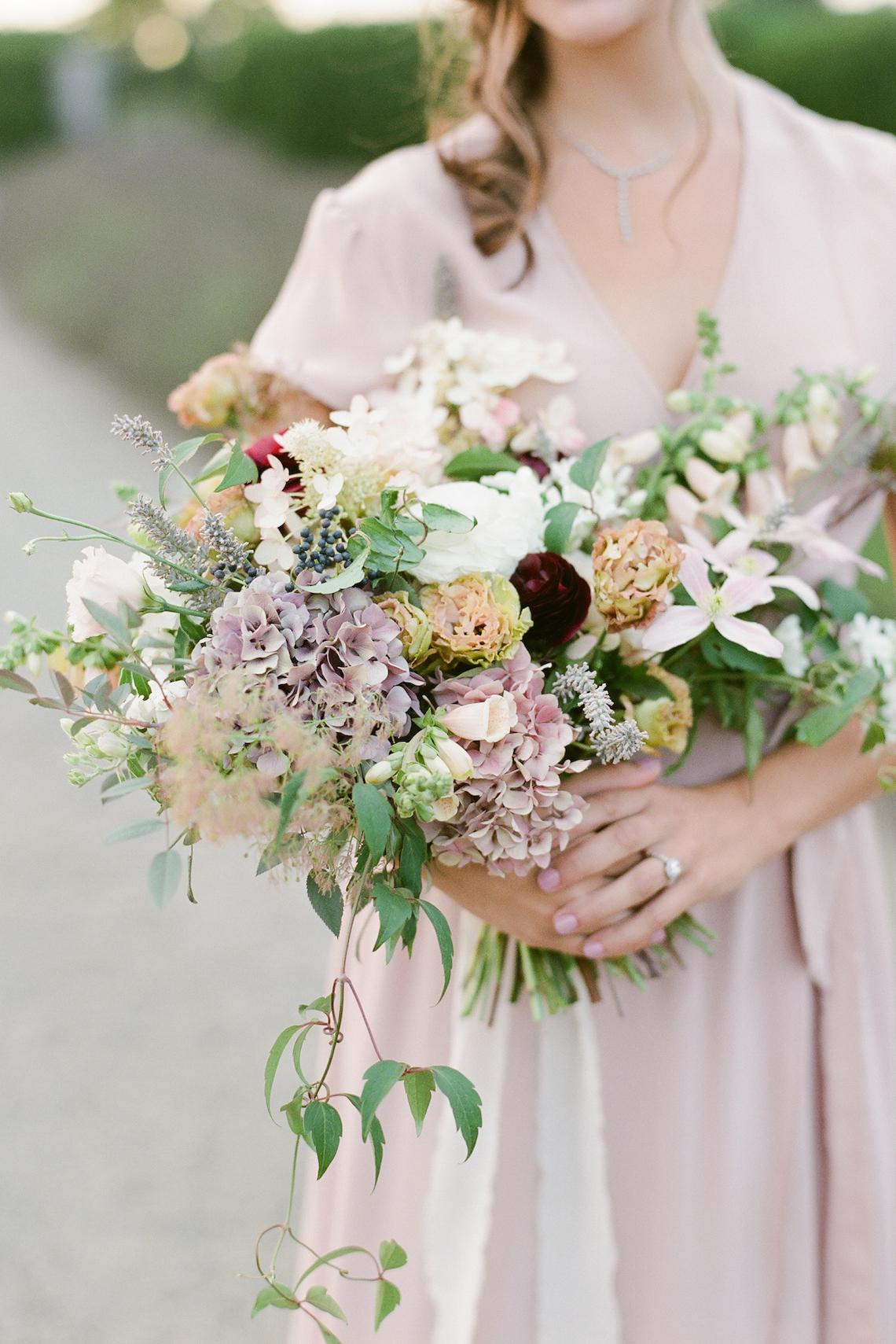 5 Tips For Creating A Budget-Friendly Wedding Bouquet | Jeanni Dunagan 20