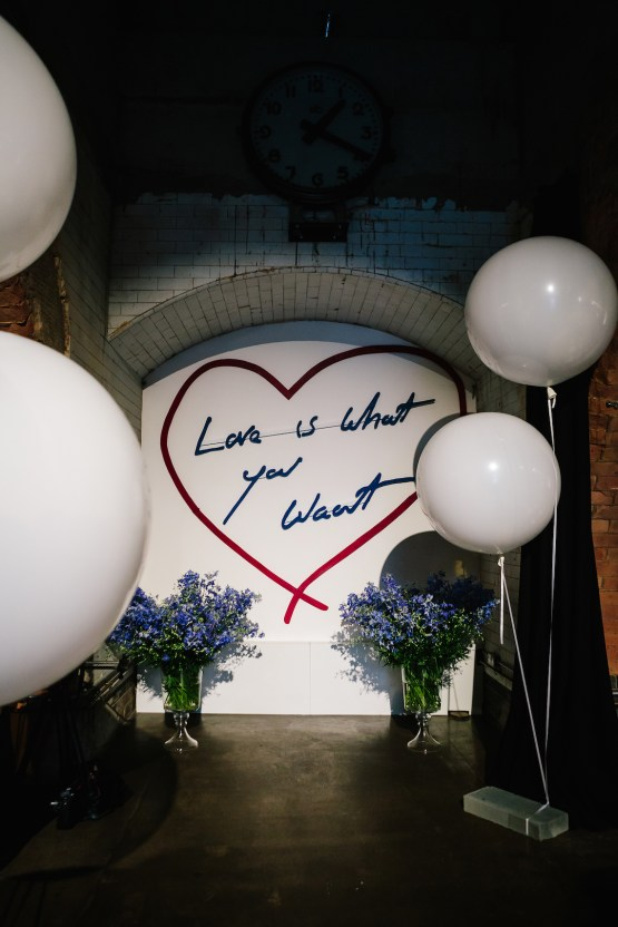 Underground Gallery Wedding In London With Cool, Flashy Signage | Studio 1208 Photography 23