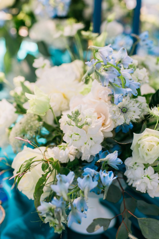Vibrant Ocean Blue Watercolor Wedding Inspiration | Lola Event Productions | Artistrie Co. 16