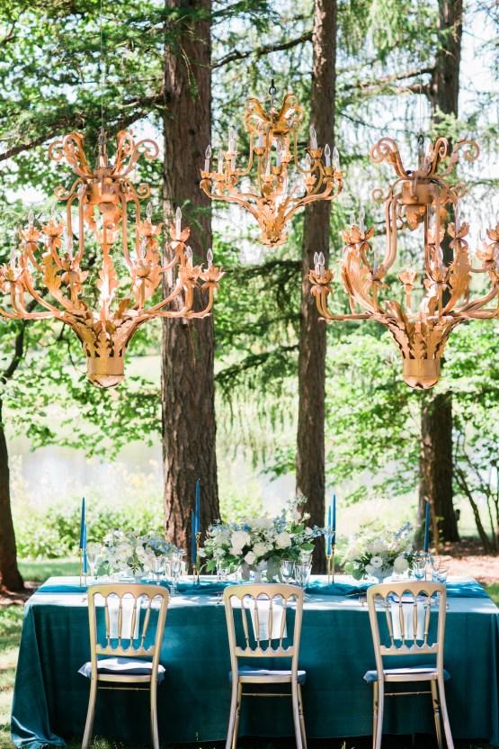 Vibrant Ocean Blue Watercolor Wedding Inspiration | Lola Event Productions | Artistrie Co. 20