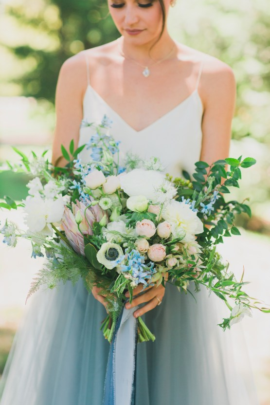 Vibrant Ocean Blue Watercolor Wedding Inspiration | Lola Event Productions | Artistrie Co. 8