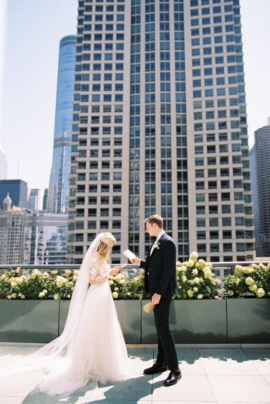 Gorgeous Chicago Ivy Room Wedding | Kristin La Voie Photography 29
