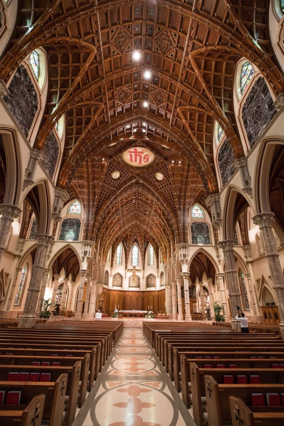 Practically Royal Luxe Chicago Cathedral Wedding | Christina G Photography | LOLA Event Productions 46