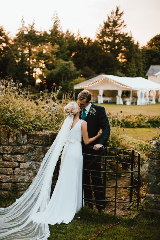 Totally Chic English Wedding With A Sweet Boat Ride | Oak & Blossom 14