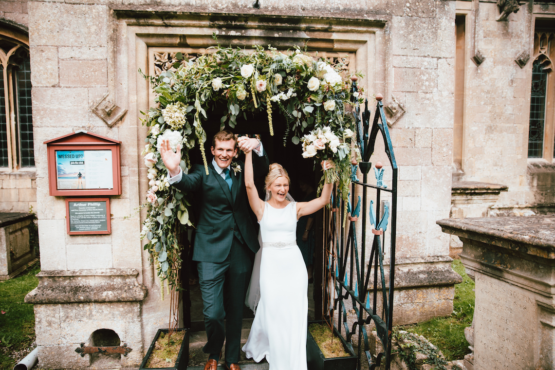 Totally Chic English Wedding With A Sweet Boat Ride | Oak & Blossom 23