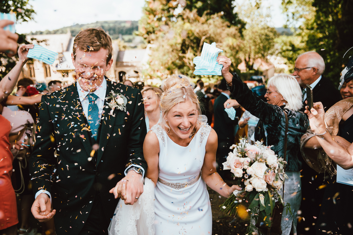 Totally Chic English Wedding With A Sweet Boat Ride | Oak & Blossom 25