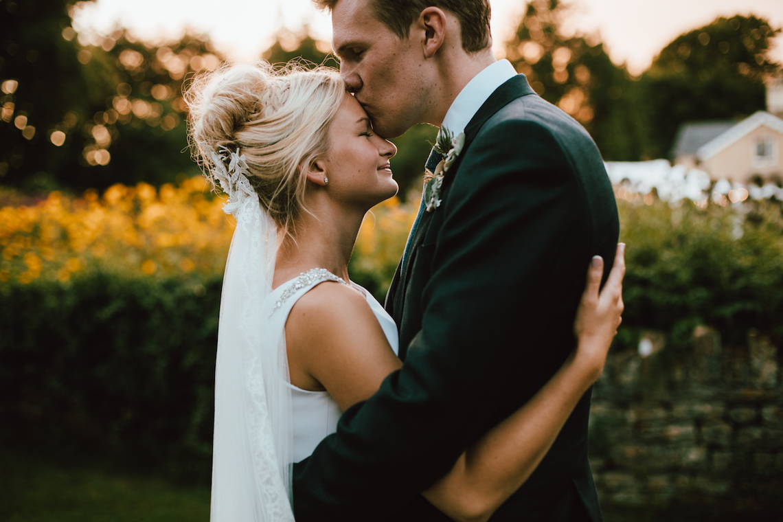 Totally Chic English Wedding With A Sweet Boat Ride | Oak & Blossom 41
