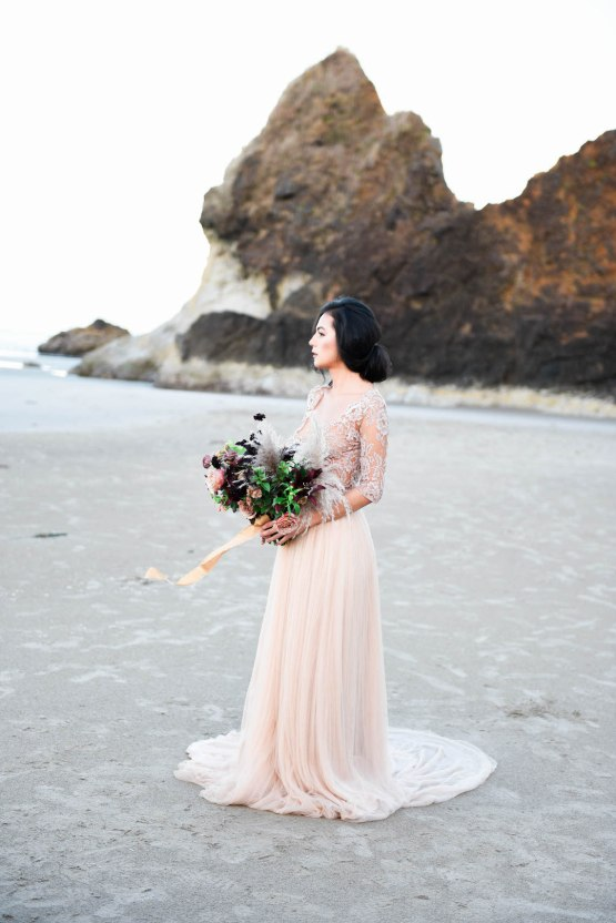 Ethereal Pacific Northwest Beachy Wedding Inspiration | Jessica Lynn Photography 13