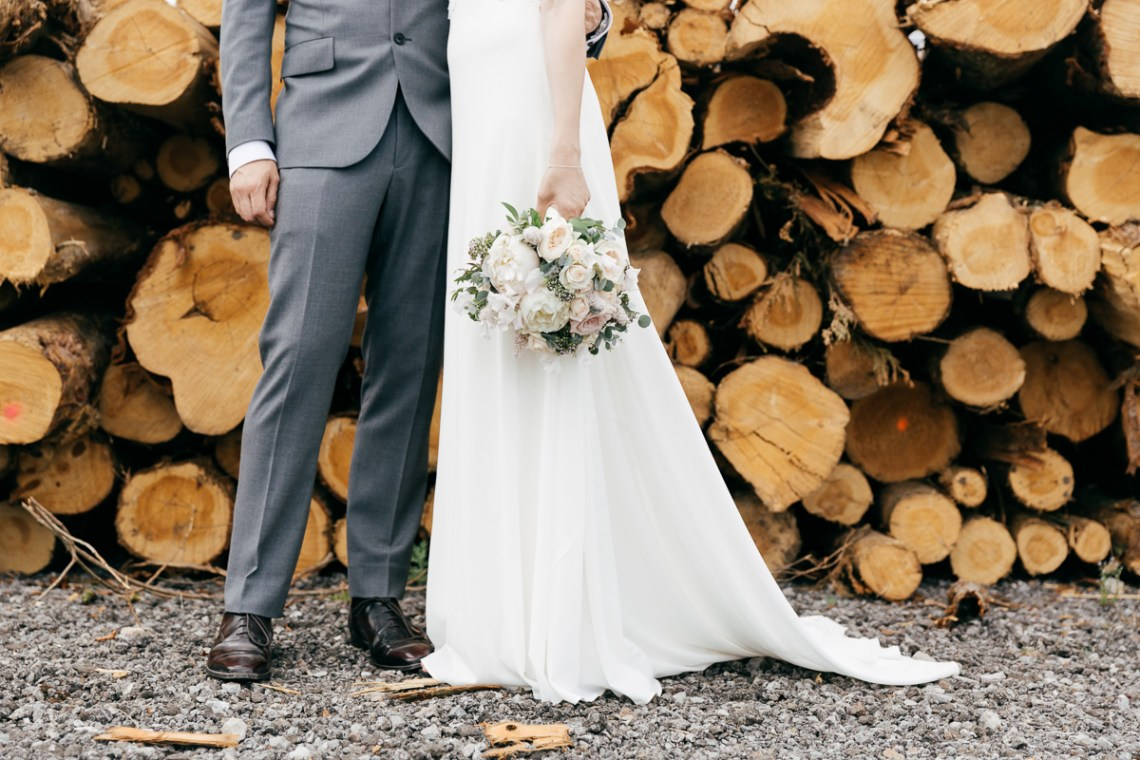 Charming & Personal Clock Barn Wedding | Amber Marie Photography 13
