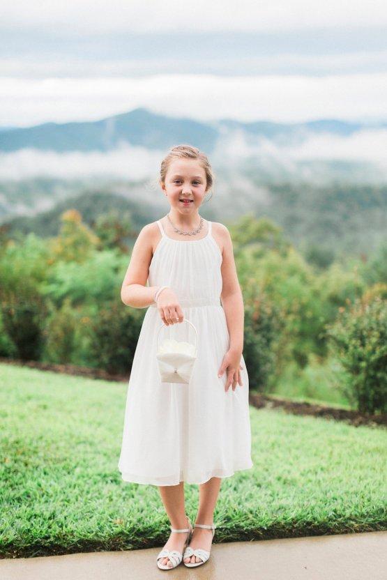 Rustic Carolina Mountain Lodge Wedding | Common Dove Photography 23