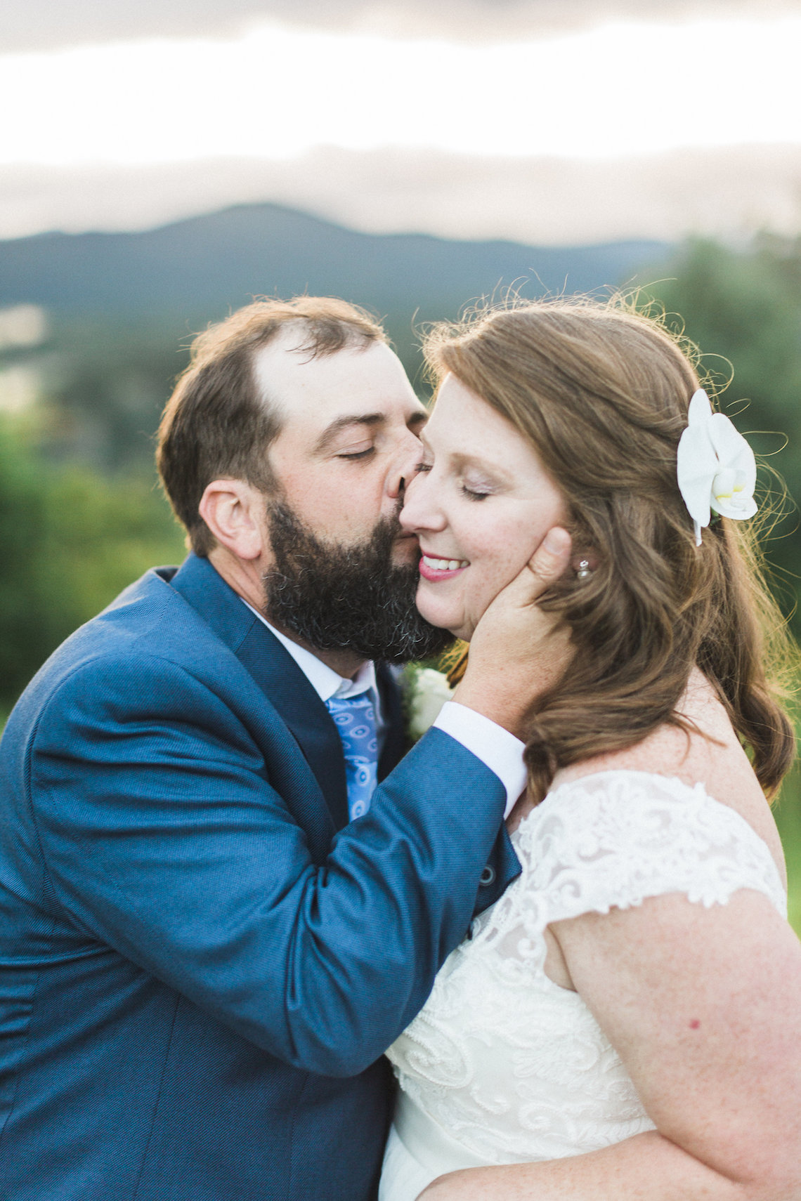 Rustic Carolina Mountain Lodge Wedding | Common Dove Photography 25