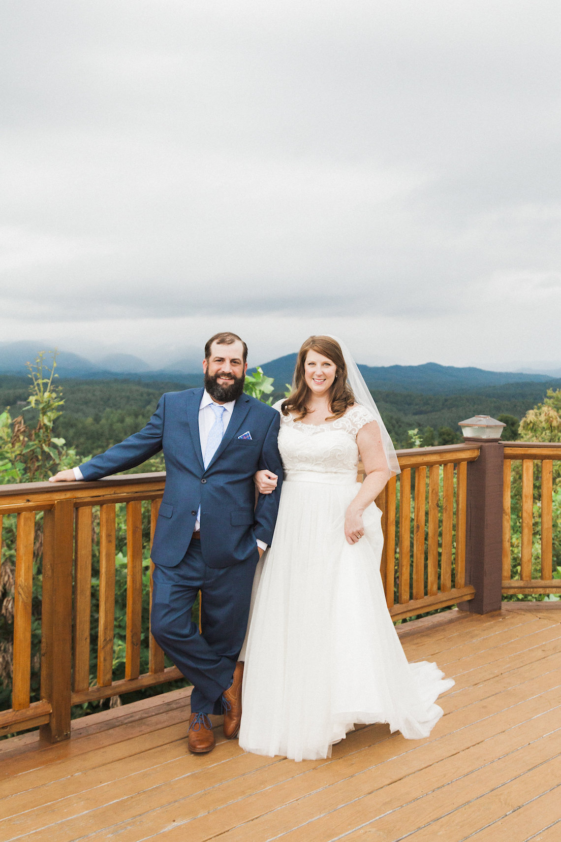 Rustic Carolina Mountain Lodge Wedding | Common Dove Photography 28