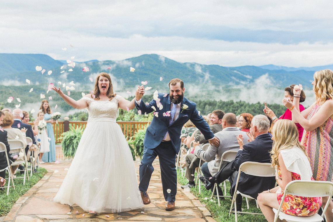 Rustic Carolina Mountain Lodge Wedding | Common Dove Photography 38