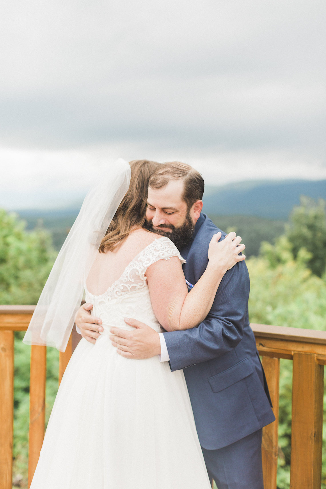 Rustic Carolina Mountain Lodge Wedding | Common Dove Photography 9