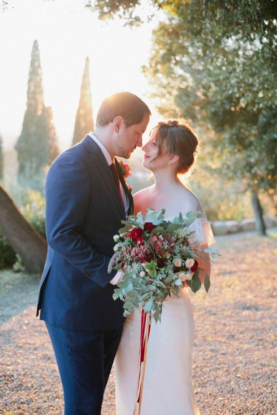 Rustic & Glamorous Tuscan Elopement | Purewhite Photography 42