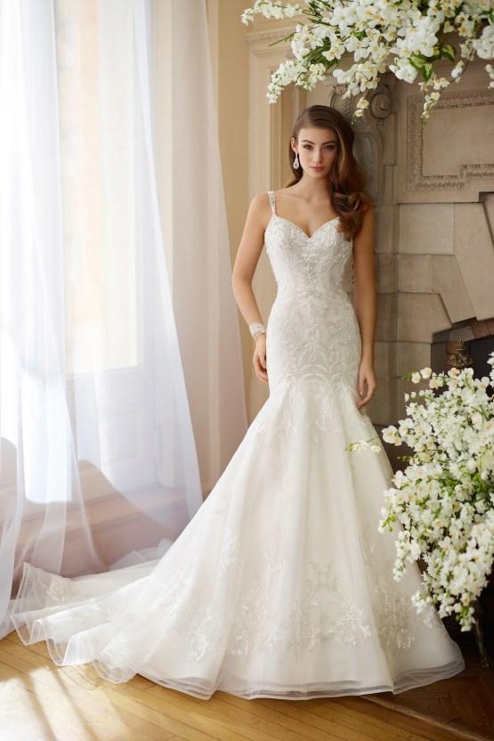 The Best Wedding Dresses For Your Zodiac Sign | Mon Cheri Bridals 13
