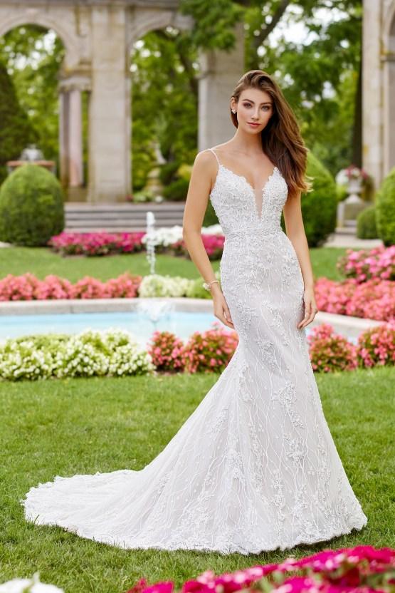 The Best Wedding Dresses For Your Zodiac Sign | Mon Cheri Bridals 3