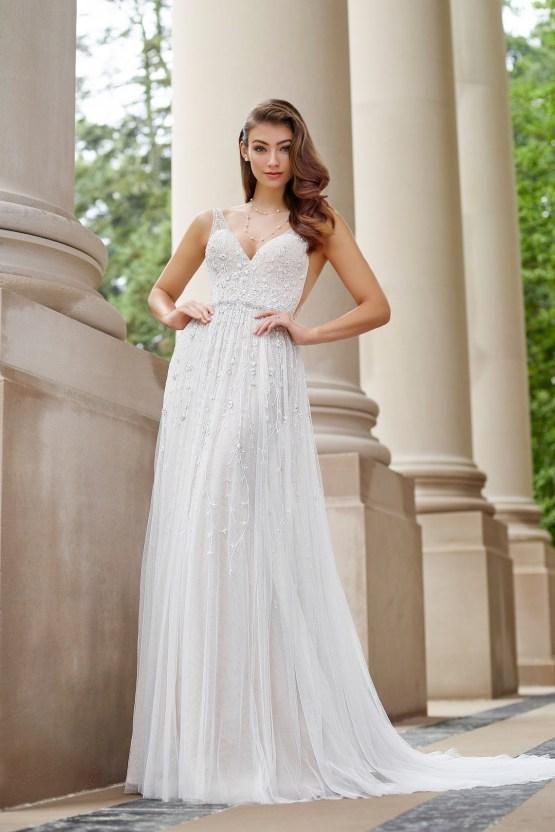 The Best Wedding Dresses For Your Zodiac Sign | Mon Cheri Bridals 4