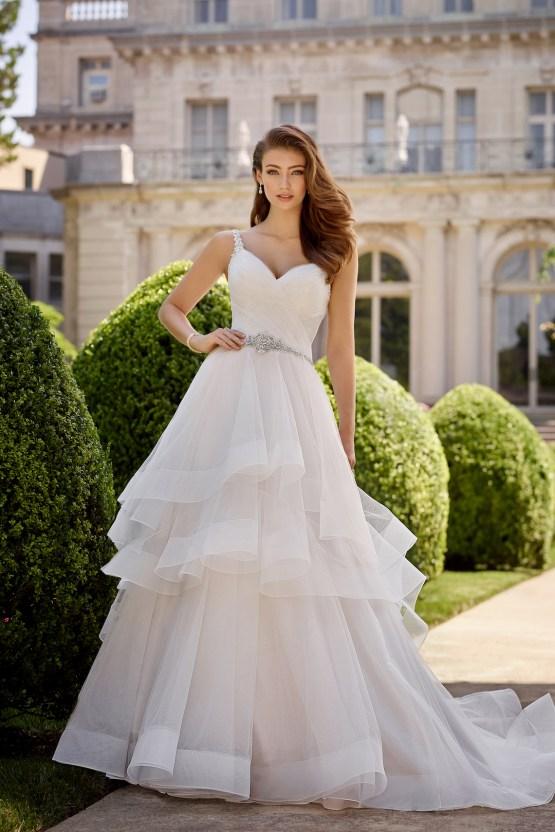 The Best Wedding Dresses For Your Zodiac Sign | Mon Cheri Bridals 7